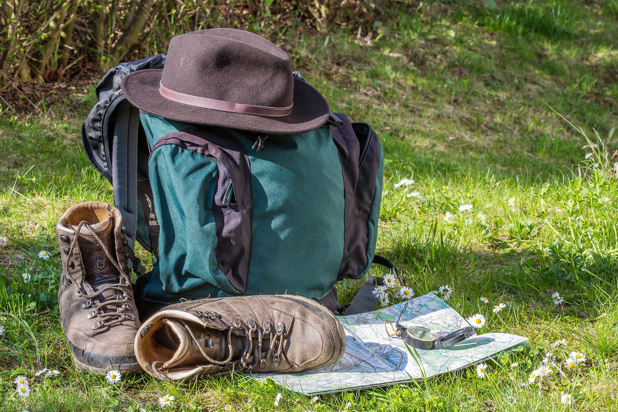 mochila-mapa-sapato-viagem