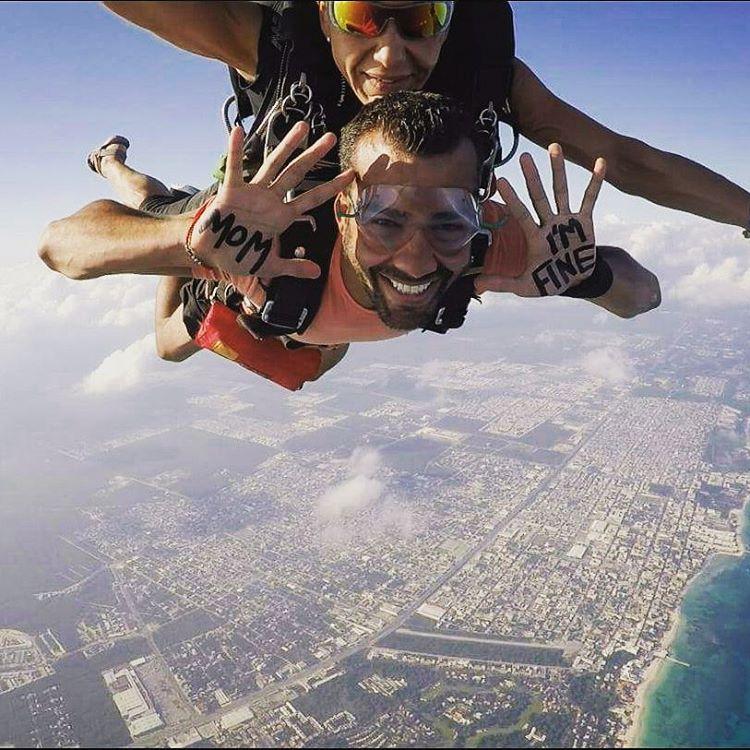 Saltando de paraquedas no México. (Foto: Reprodução/ Instagram)