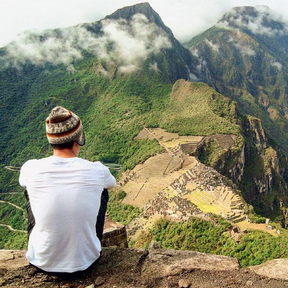 BEM NA FOTO: Montanha Huyana Picchu, em Machu Picchu