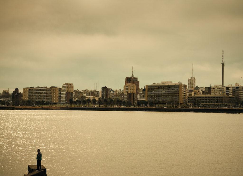 O pôr do sol em Montevidéu, no Urugai