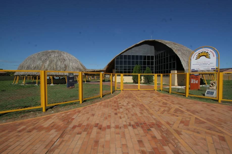 O Memorial da Cultura Indígena, em Campo grande (MS), tem exposições e venda de artesanato