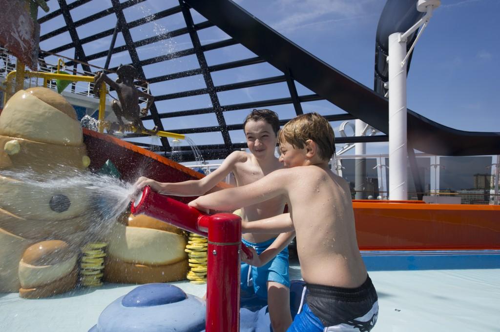 Diversão é o que não falta nas viagens de navio (foto: divulgação MSC)