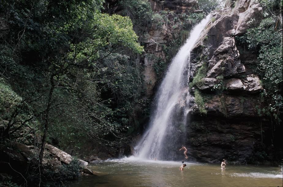 O Circuito das Cachoeiras é uma das atrações do Parque Nacional da Chapada dos Guimarães (MT) que permanecem abertas ao público. O percurso de 6 km e seis horas (ida e volta) passa pelas cachoeira Sete de Setembro, do Pulo, Prainha, Degraus e Andorinhas (foto)