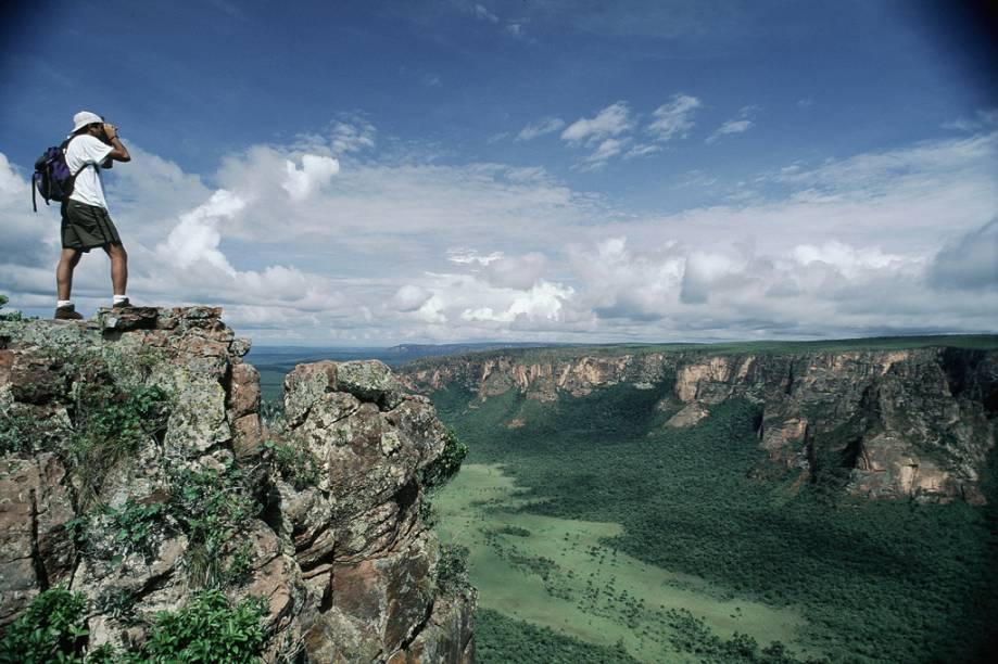 O estado de Mato Grosso é ótimo para quem curte natureza. Muita gente vem ao estado para visitar a Chapada dos Guimarães (foto), o Pantanal e a Floresta Amazônica