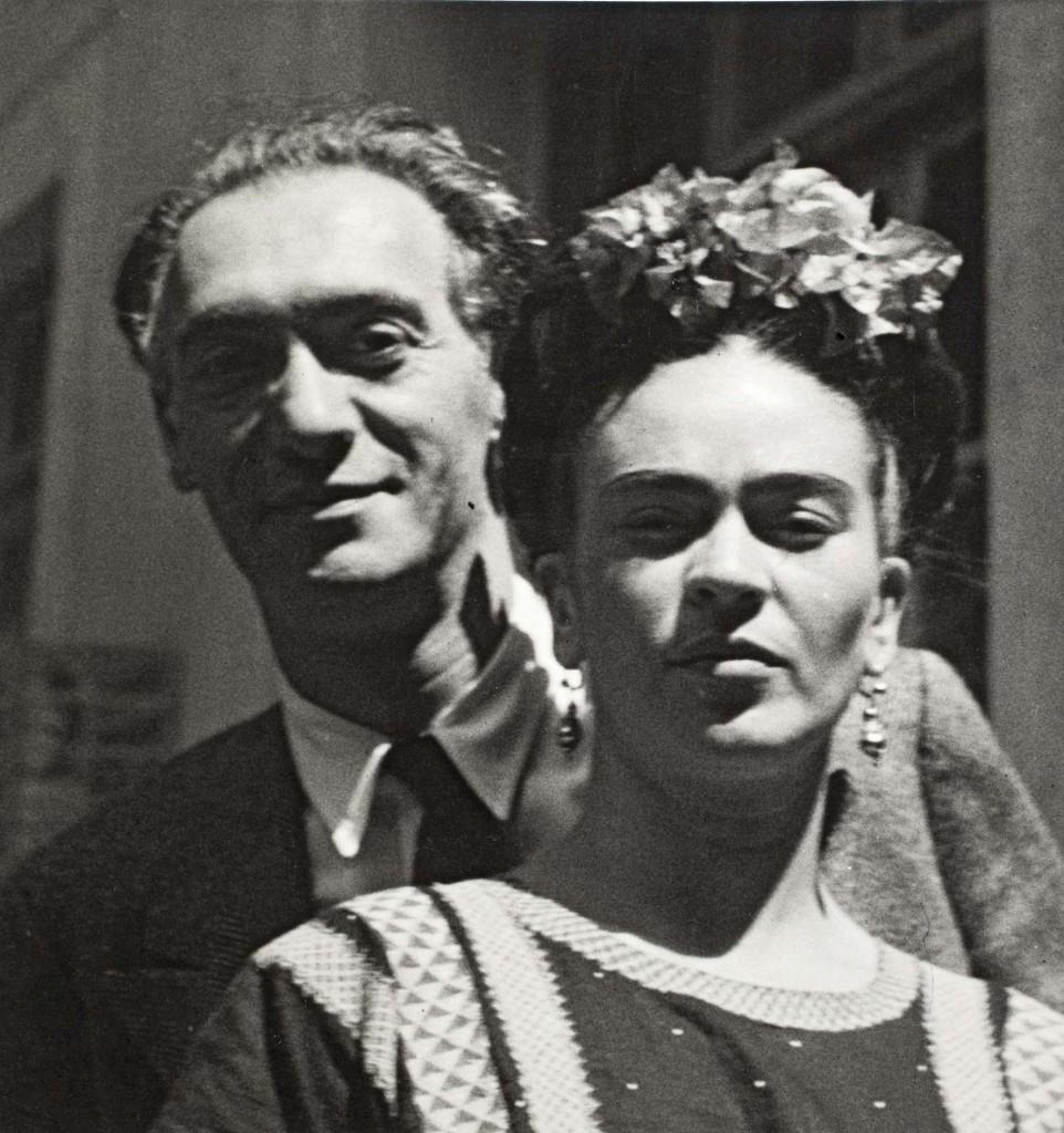 Olha a selfie em 1939 de Nickolas Muray e Frida Kahlo / Nickolas Muray, Museu Frida Kahlo