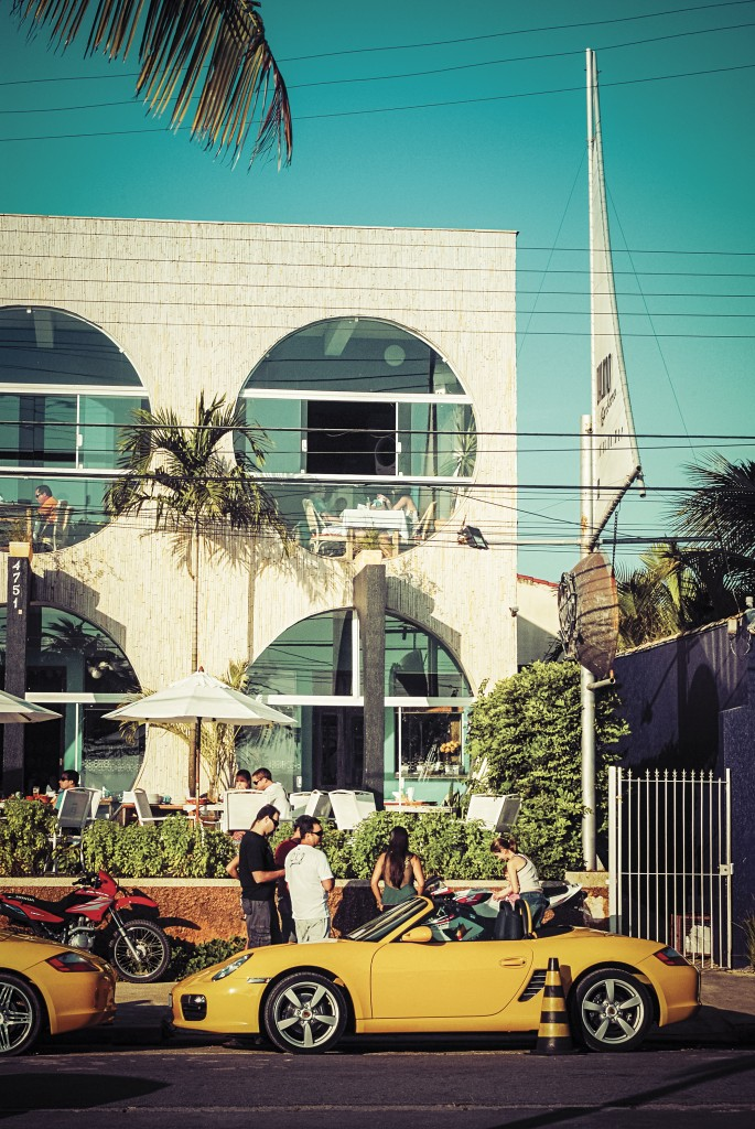 A Rio-Santos ostenta o restaurante Dalmo Bárbaro