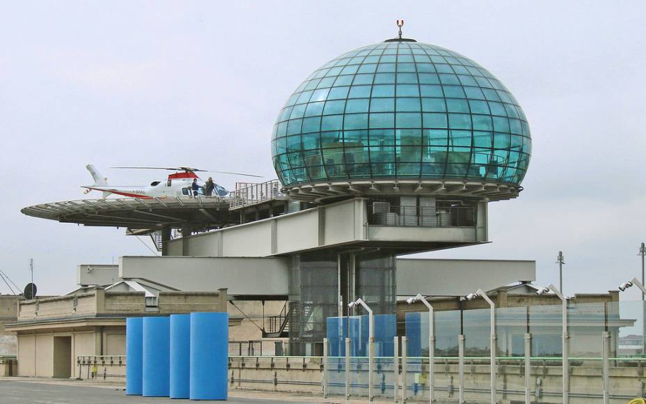 """""""O Heliponto"""" é uma obra do arquiteto Renzo Piano em Lingotto, uma antiga instalação da Fiat e um dos símbolos do poder fabril de Turim"""