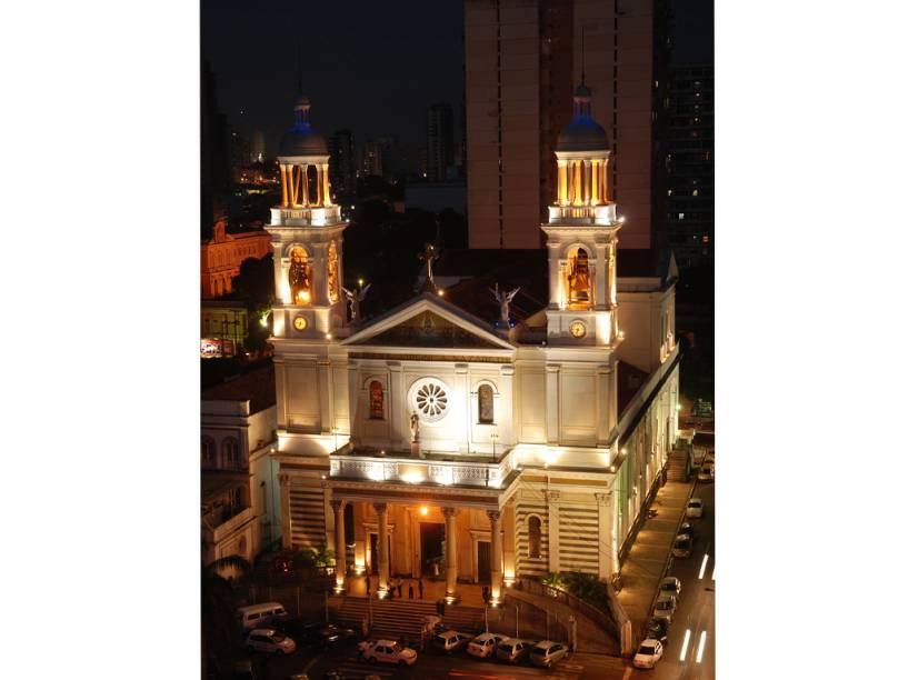 Erguida onde o caboclo José Plácido encontrou, em 1700, a imagem de Nossa Senhora de Nazaré, a Basílica de Nazaré em Belém (PA) ainda abriga a imagem da santa, que é padroeira do estado