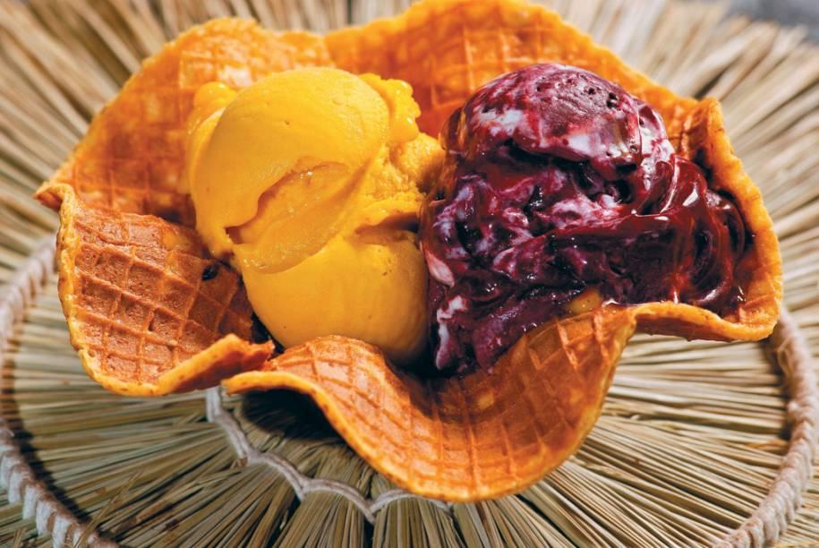 """Casquinha de sorvete Mestiço, feito com açaí e tapioca, da <a href=""""http://viajeaqui.abril.com.br/estabelecimentos/br-pa-belem-restaurante-cairu"""" rel=""""sorveteria Cairu"""" target=""""_blank"""">sorveteria Cairu</a>, em Belém (PA)"""