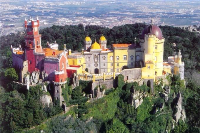 Em Sintra, o Palácio da Pena é digno de lendas de fadas e duendes / Divulgação