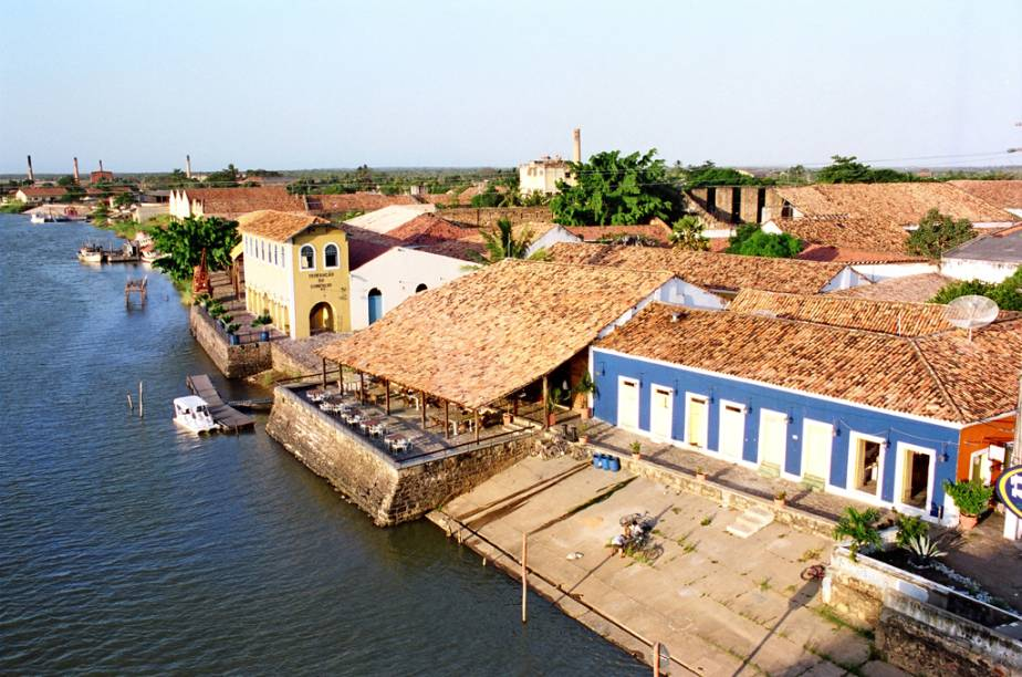 """<a href=""""http://viajeaqui.abril.com.br/estabelecimentos/br-pi-parnaiba-atracao-porto-das-barcas"""" rel=""""Porto das Barcas"""" target=""""_blank"""">Porto das Barcas</a> em <a href=""""http://viajeaqui.abril.com.br/cidades/br-pi-parnaiba"""" rel=""""Parnaíba"""" target=""""_blank"""">Parnaíba</a>, Piauí"""