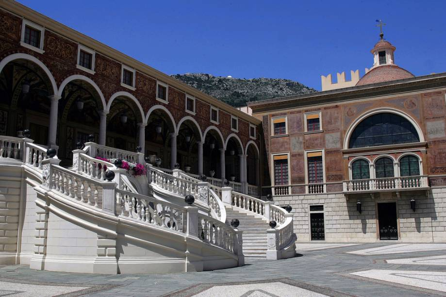 Pátio de Honra do Palácio do Principado de Mônaco