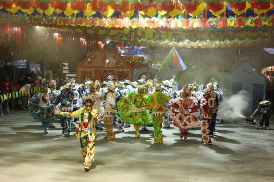 A maior Festa de São João do mundo acontece em Campina Grande (PB). Mais de um milhão de pessoas rumam para a Praça do Povo para acompanhar o concurso de quadrilhas, dançar forró e se deliciar com as comidas típicas de uma festa junina pra lá de animada