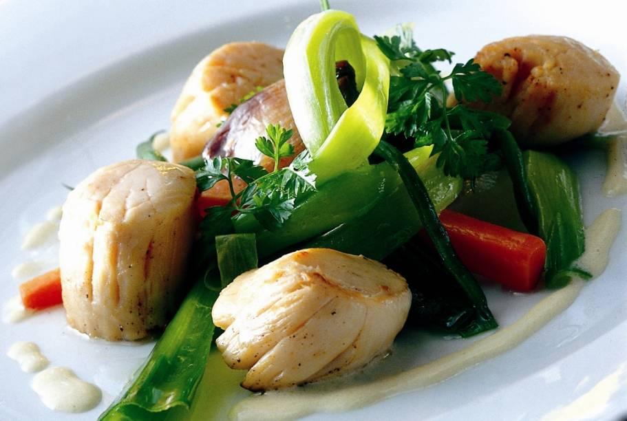 A gastronomia monegasca é basicamente uma mescla de tudo o que há entre os litorais da Ligúria, Itália, e Côte-dAzur, na França