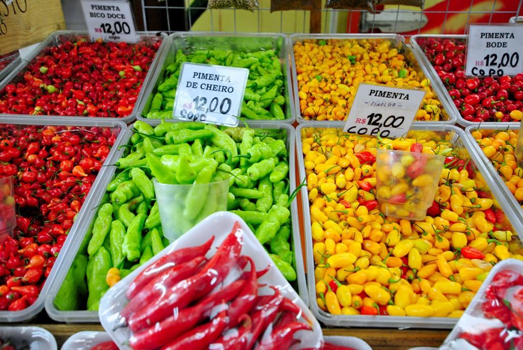 Pimentas no Mercado Municipal de São Paulo (foto: Fernando De Santis)