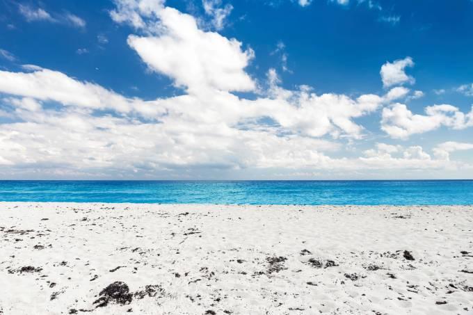 playa-delfines-cancun-mexico.jpeg