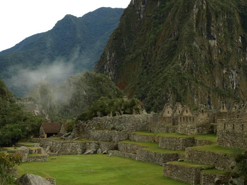 Vista parcial da Plaza Principal de Machu Picchu