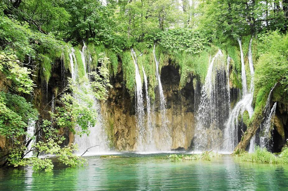 Considerado um dos parques mais lindos do mundo, Plitvice é tombado como Patrimônio Mundial da Unesco desde 1979