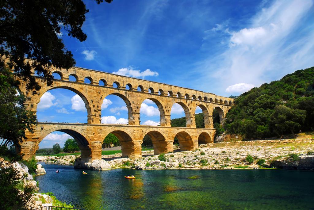 Pont du Gard, Uzès e Nîmes, França