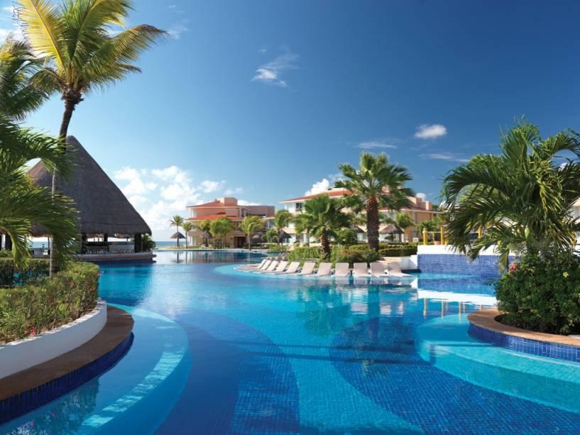 Piscina do resort Moon Palace, em Cancún