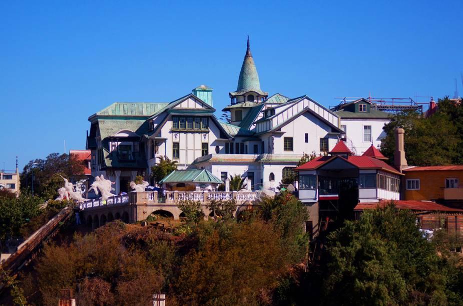 O Palácio Baburizza é uma bela construção em art noveau que abriga o Museo de Bellas Artes da cidade de Valparaíso