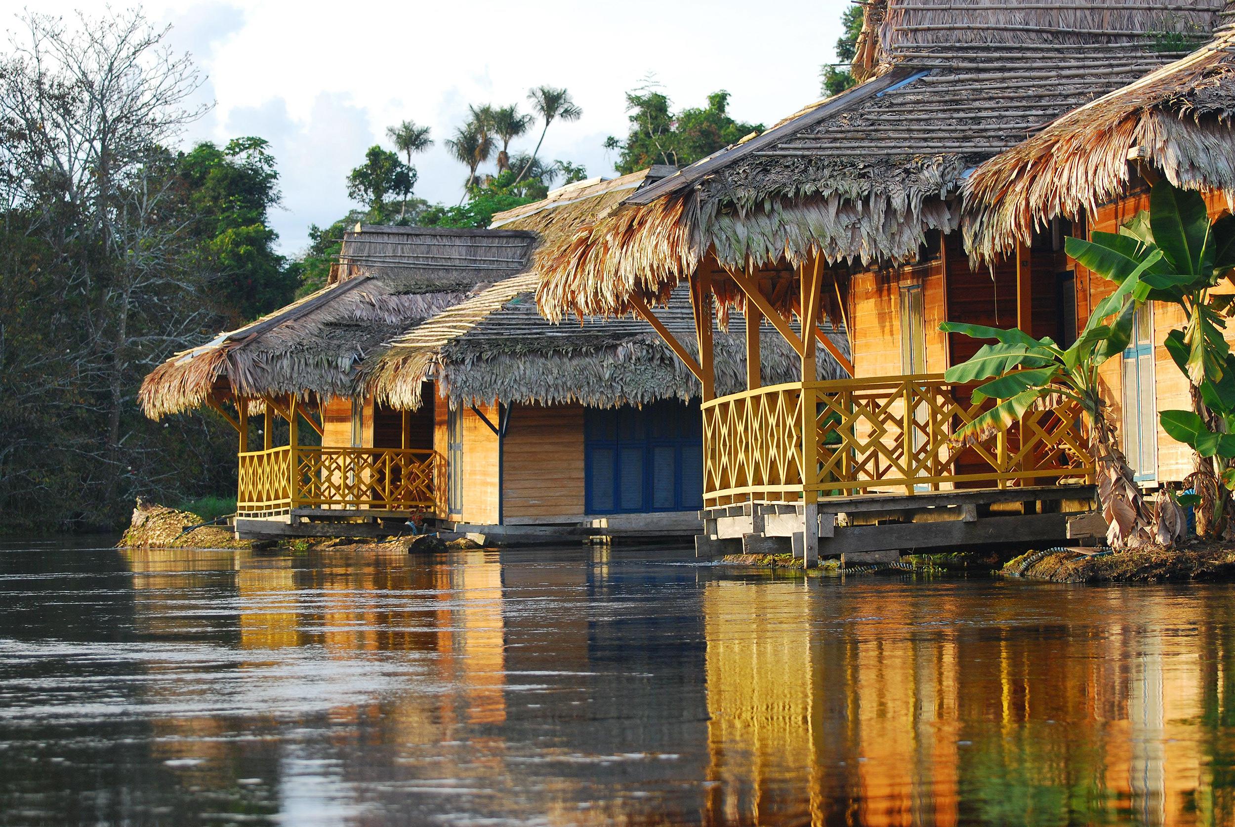 Hospedagem de selva na Amazônia brasileira Uacari, em Manaus, Amazonas