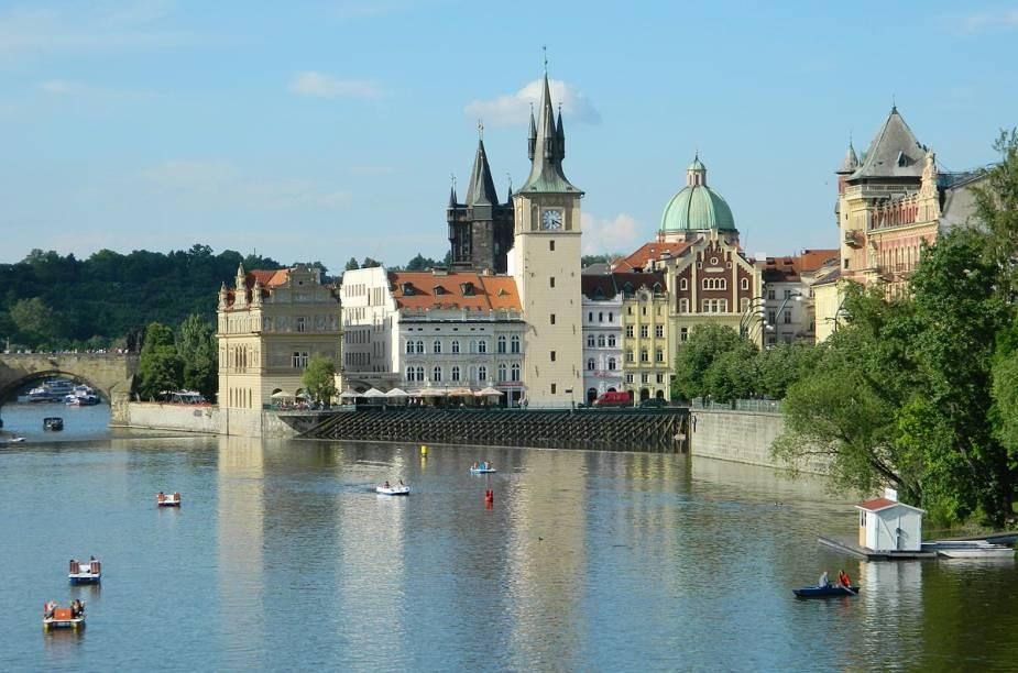 A arquitetura de Praga mistura o estilo gótico e o renascentista em suas construções
