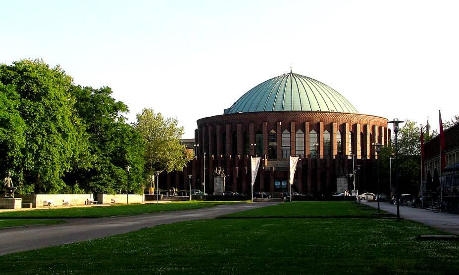 O prédio de Tonhalle da alemã Düsseldorf abriga bons shows de rock e concertos de música clássica