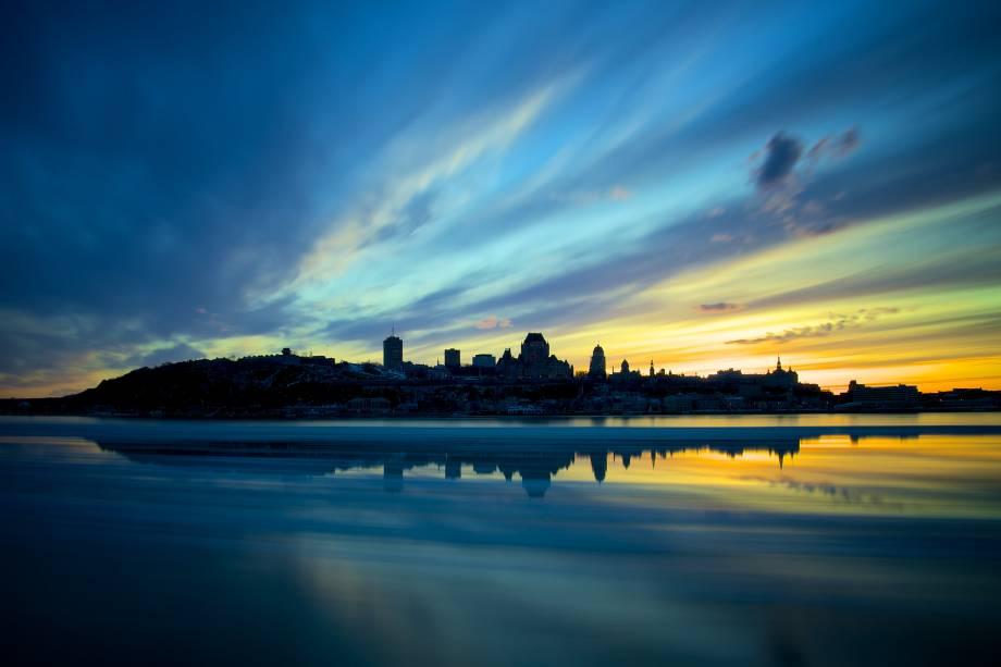 O skyline de Quebec, no Canadá, ao pôr do sol