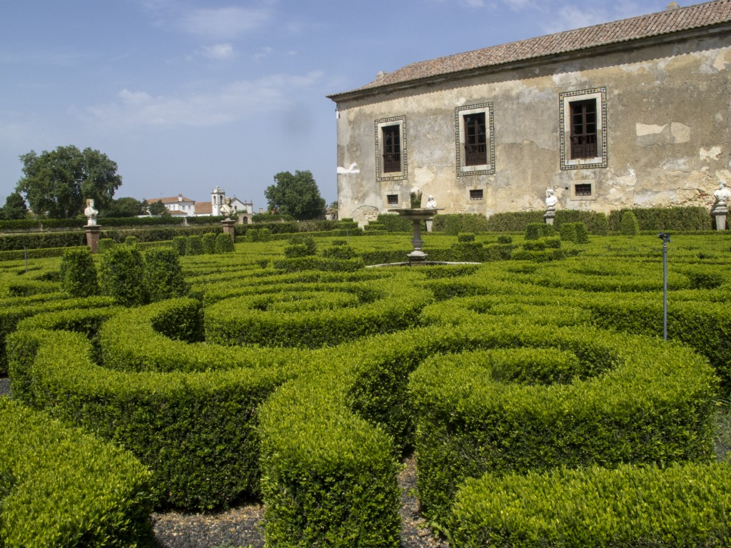 O belo jardim da Quinta da Bacalhôa (Foto: Ora, Pois!)