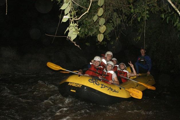 Rafting noturno em Brotas / Divulgação