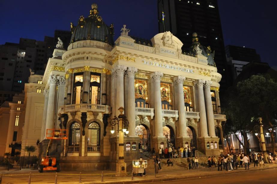 Inspirado na Ópera de Paris, O Theatro Municipal do Rio de Janeiro (RJ) foi erguido para ser o melhor palco do país. Essa importância foi restaurada após restauração em 2010, que reinaugurou a agenda de espetáculos