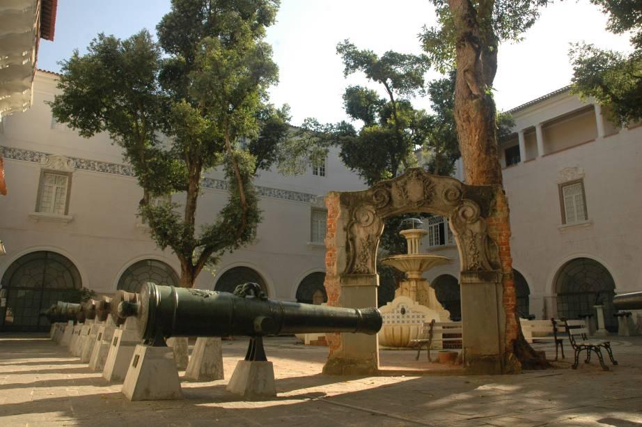 O Museu Histórico Nacional do Rio de Janeiro (RJ) é uma aula de história brasileira. O vasto acervo percorre dos tempos pré-históricos até o de figuras políticas como Ulysses Guimarães