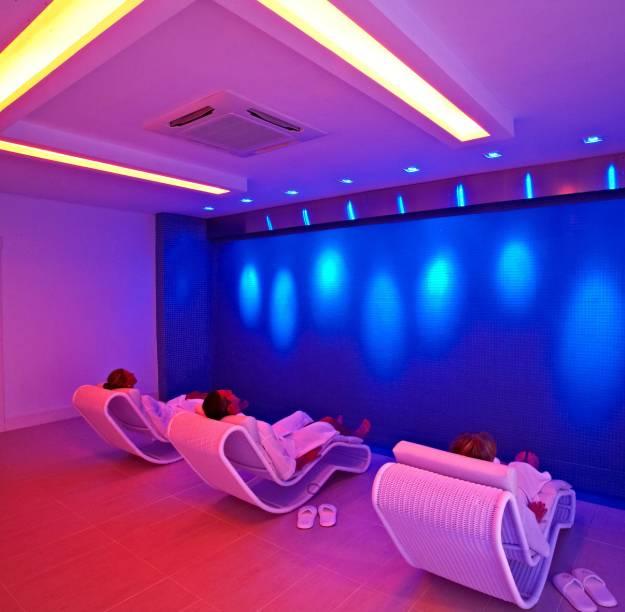 Um programa relaxante em Gramado (RS) é visitar o spa Kurotel (pacotes de day spa são oferecidos para quem não está hospedado). A parte aberta ao público tem mais de 15 salas, para tratamentos dermatológicos, e a estação das águas, com circuito de banhos térmicos