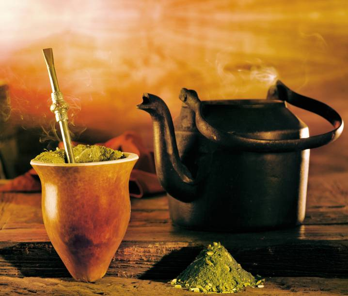 Nada melhor para enfrentar o frio gaúcho do que um chimarrão bem quentinho, bebida típica do Rio Grande do Sul