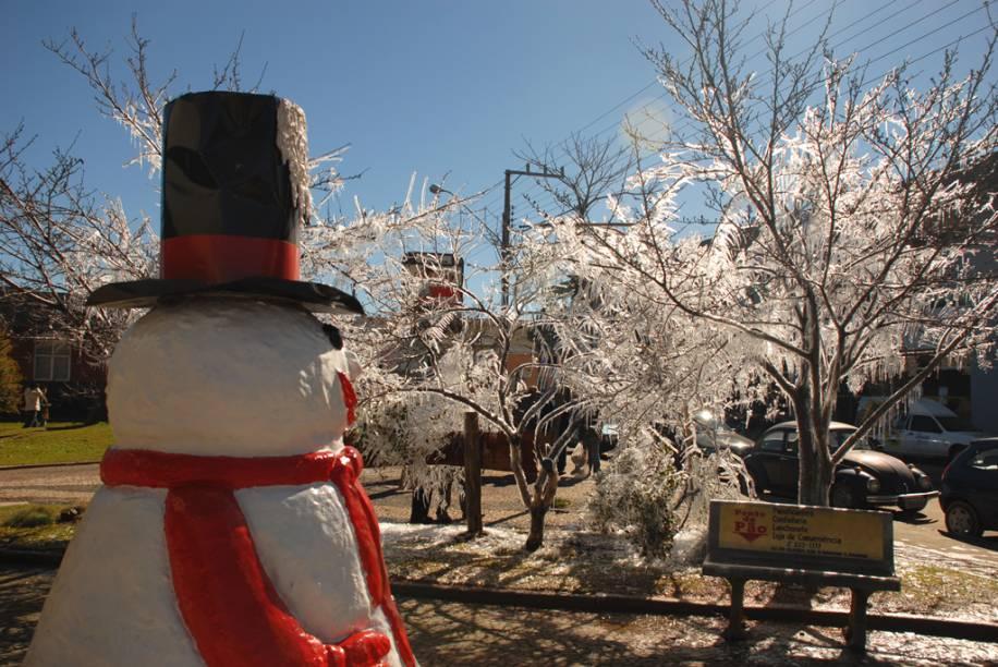 O frio é a grande atração de São Joaquim (SC). As temperaturas negativas no inverno podem trazer neve, fazendo a alegria dos turistas