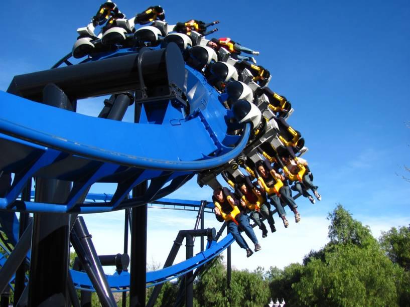Montanha-russa no Six Flags Magic Mountain