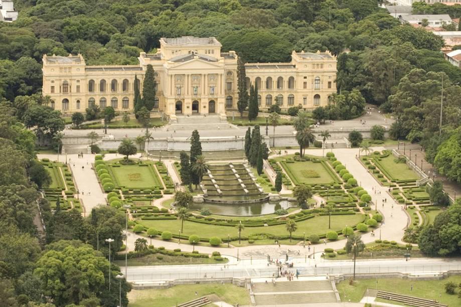 Dentro do complexo do Parque da Independência, em São Paulo (SP) estão o Museu do Ipiranga, o Monumento à Independência e a Capela Imperial, que guarda os restos mortais de Dom Pedro I