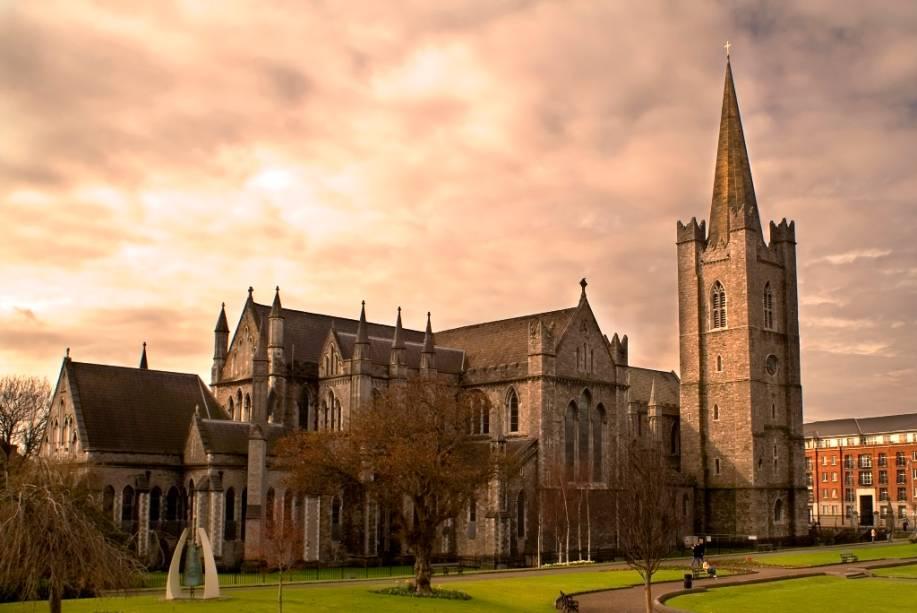 Considerada o principal templo cristão da Irlanda, a catedral de Saint Patrick data do século 12 e foi construída em estilo gótico