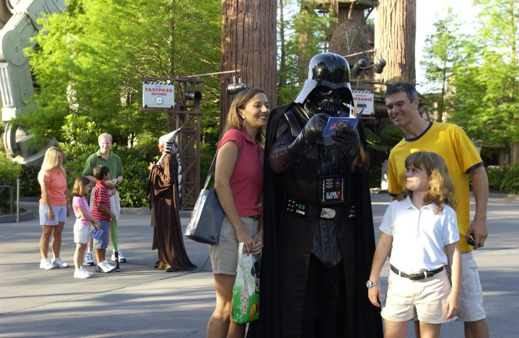 Peça um autógrafo para o Darth Vader no Star Wars Weekend (Foto: divulgação)