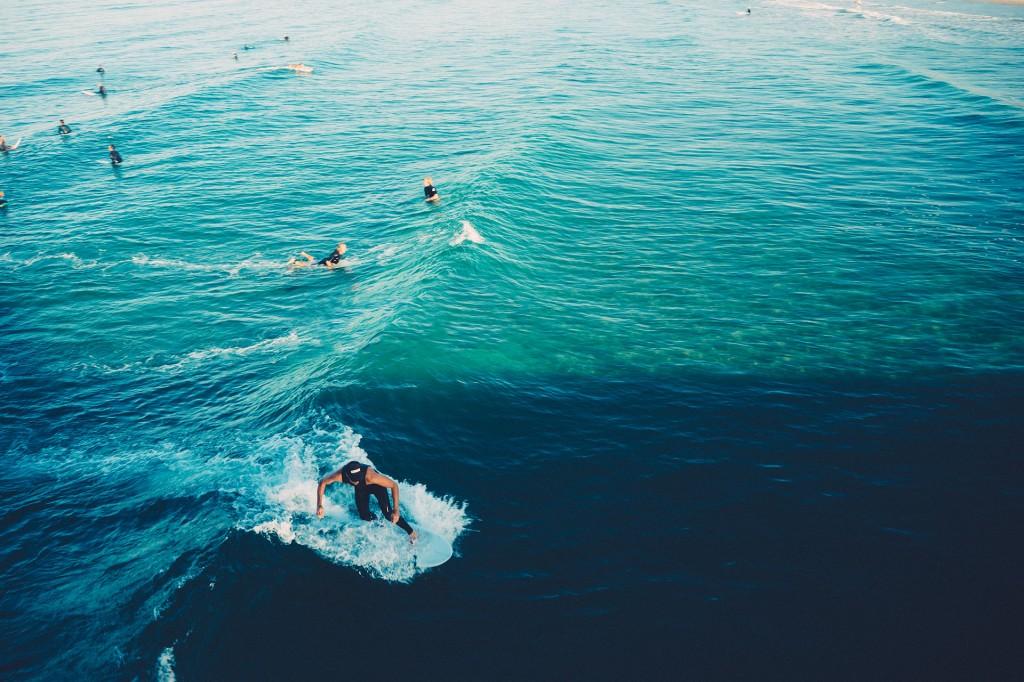 Vai surfar durante a viagem? Mais cuidado ainda na olha de escolher seu plano, então