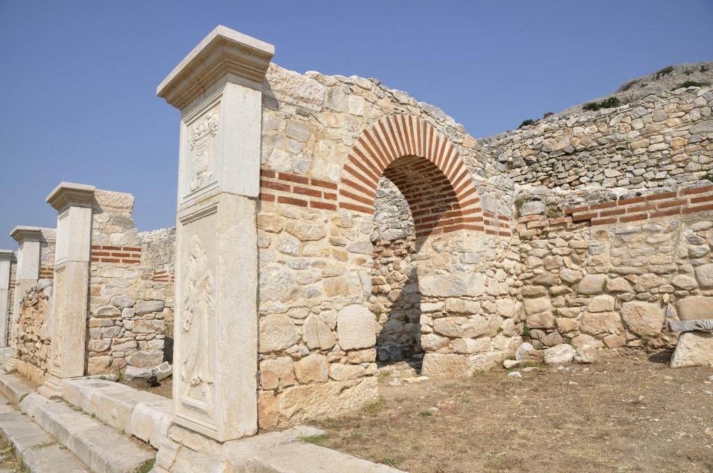 Ruínas de um teatro macedônico, em Filipos, na Grécia (foto: iStock)