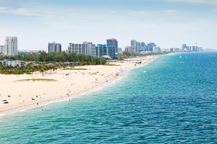 """<a href=""""http://viajeaqui.abril.com.br/cidades/estados-unidos-fort-lauderdale"""" rel=""""Fort Lauderdale"""">Fort Lauderdale</a> pode ser o paraíso das compras, mas a cidade ao norte de Miami também tem seus atrativos naturais - e as belas praias atraem turistas de toda a região"""