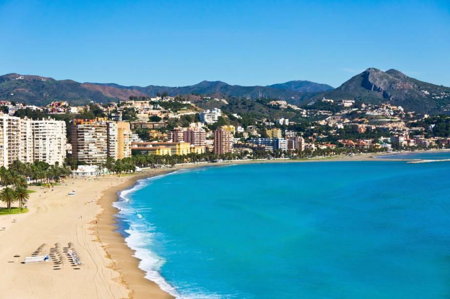 A praia mais próxima do centro de Málaga é a Playa de la Malagueta