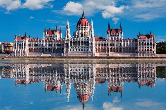 thinkstockphotos-178358873-parlamento-hungaro-de-budapeste.jpeg
