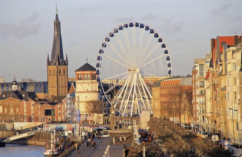 A cidade de Düsseldorf, uma das grandezas da Alemanha à beira do Rio Reno