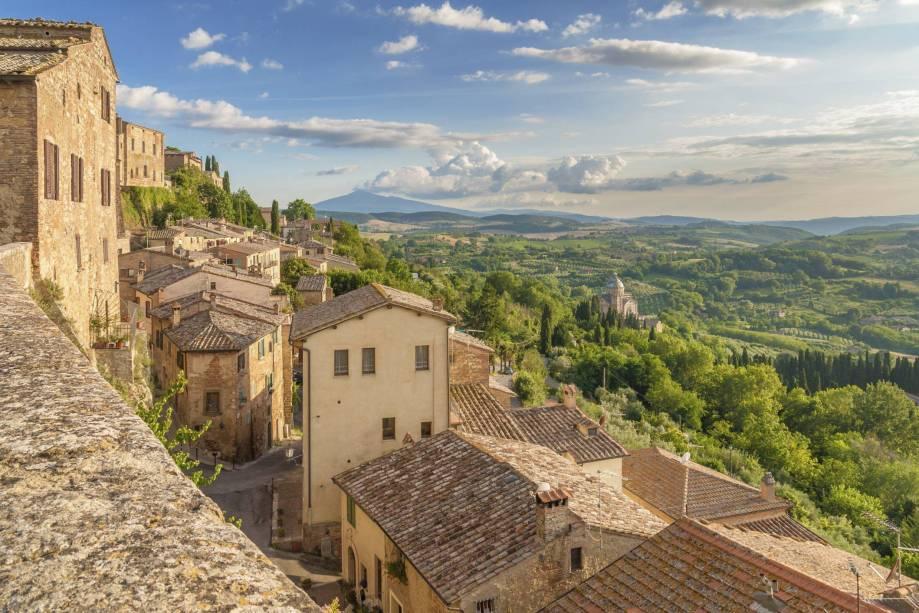 A Toscana vista das alturas de Montepulciano
