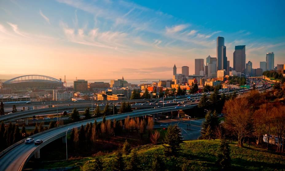 Os lindos edifícios de Seattle (EUA) no pôr do Sol