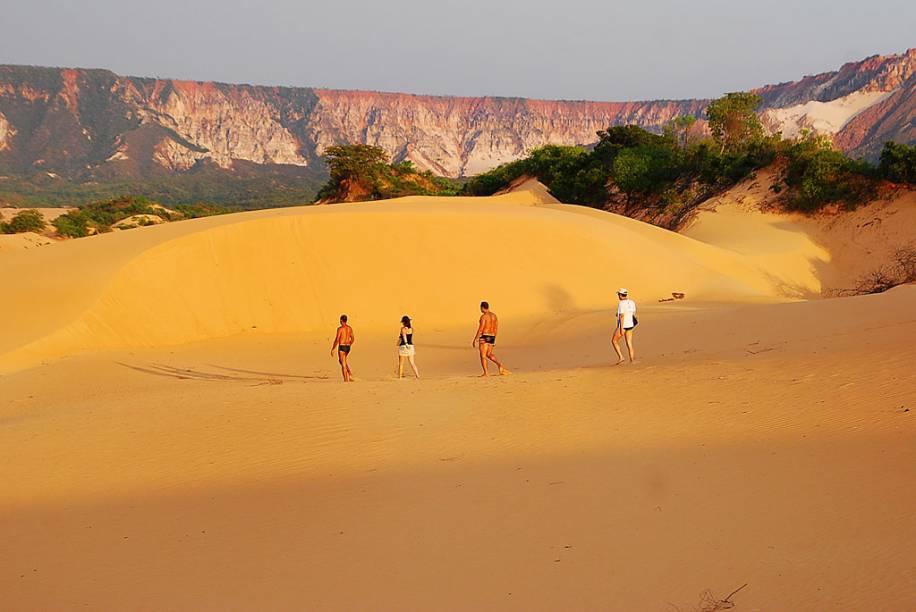 As dunas no Jalapão, Tocantins, tem uma cor alaranjada e podem chegar a 40m de altura