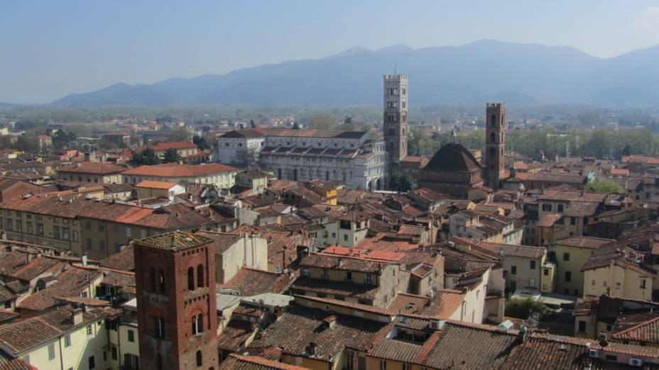 Vista de Lucca a partir da Torre delle Ore